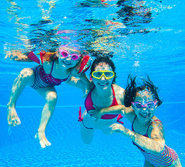 kids-swimming-in-pool 2